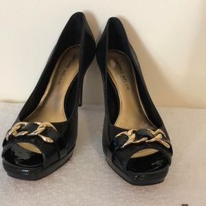 Antonio Melani size 8 black leather peep toe pump